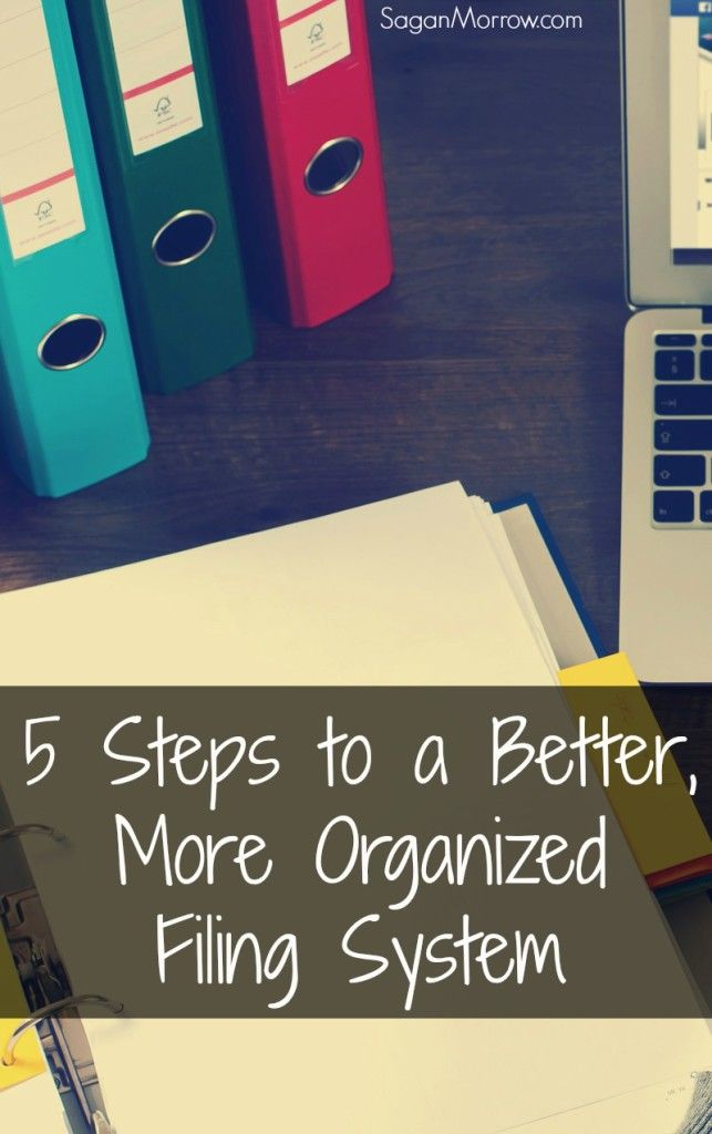 Find out how to organize your filing system in a way that works for you with these organization tips! These organizing tips are perfect for home offices (looking at you, frelancers and home-based business owners!), but they can also be used in the workplace. These tips will make your work life that much more enjoyable and easier to manage!