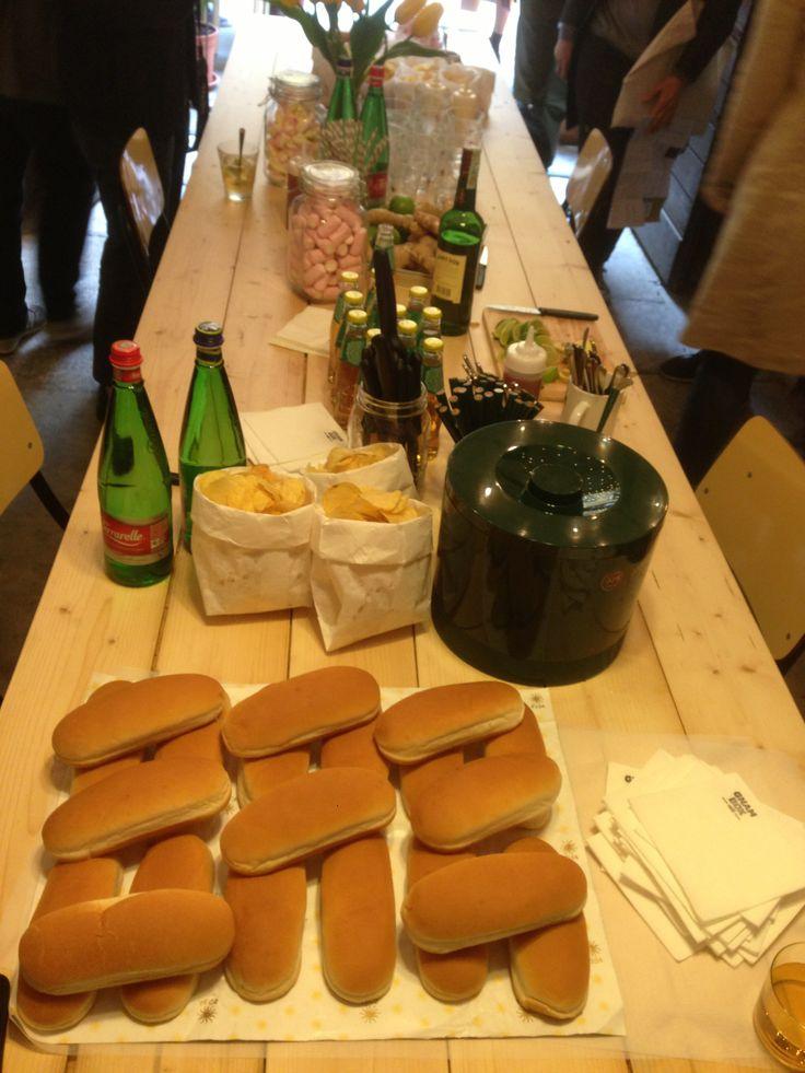 Day 6 - HOT DOG - Gnam Box Cafè's Sunday Brunch #salonedelmobile2014 #fuorisalone2014 #candelanovembre #gnamboxcafe #5vie