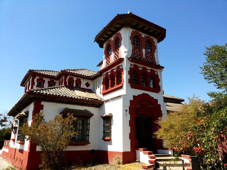 Rancagua en Libertador General Bernardo O'Higgins. Mansión Hacendal presente en el sector oriente de Rancagua. Hoy es parte de los edificios protegidos de carácter patrimonial.