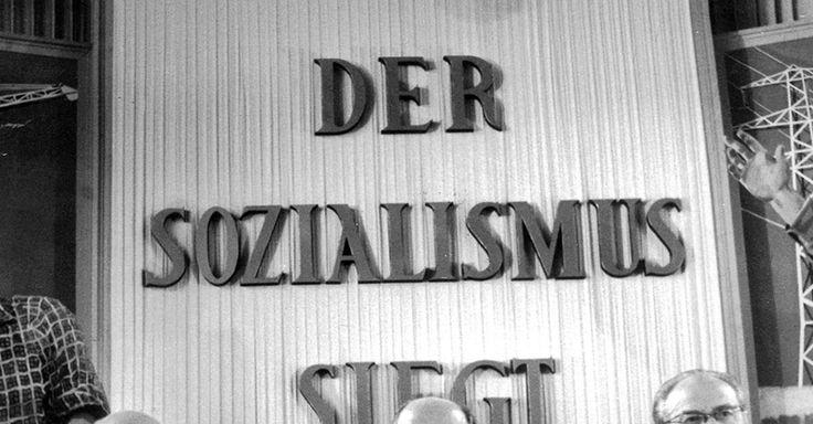 Focus.de - Nikita Chruschtschow (l.), Walter Ulbricht (M.), und DDR-Ministerpräsident Otto Grotewohl auf dem fünften Parteitag der SED 1958 - Foto
