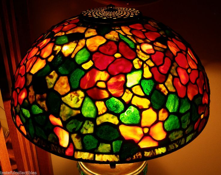 stained glass lamp shade 16 dogwood odyssey pattern stained glass. Black Bedroom Furniture Sets. Home Design Ideas