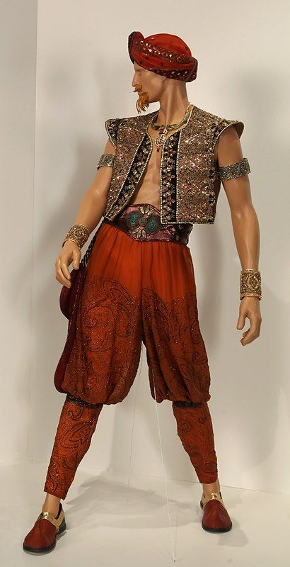 Once Upon a Time - Genie costume / http://sodapic.com                                                                                                                                                     More