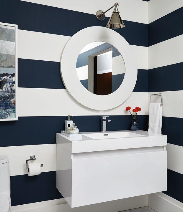 On vous propose 15 idées inspirantes pour décorer avec du bleu marin. Découvrez comment cette couleur sombre mais fraîche peut transformer votre déco!