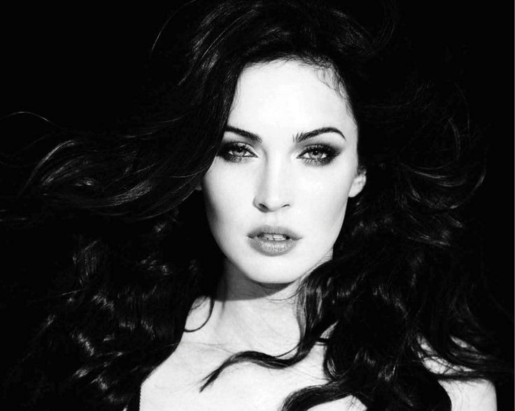 "Megan Fox  Born: May 16, 1986, Oak Ridge  Height: 5' 4"" (1.63 m)"