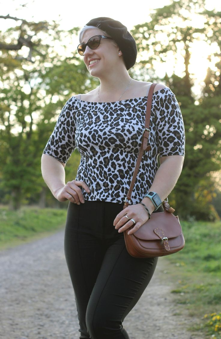 Casual Leopard Print Outfit for a Spring Sunday Afternoon