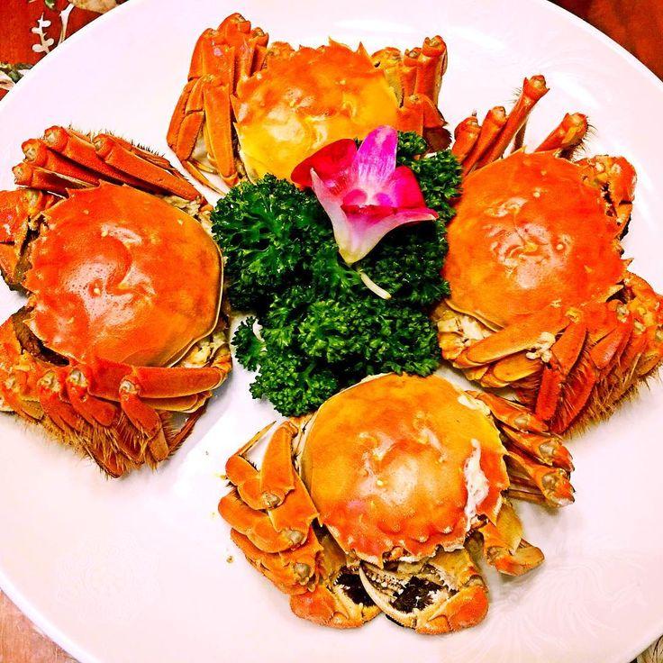 Lovely lunch with loving people   色々有り難い 来週からの新生活を楽しみに #元町中華街 #中華 #上海蟹 #ランチ #本格 #感動 #紹興酒 #おいしい  #chinesefood #shanghai #crab #foodporn #lunch #weekend #chinatown #yokohama