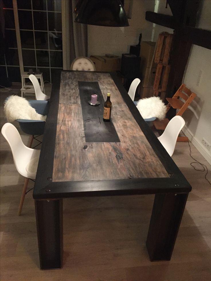 ein e tisch wie man ihn kein zweites mal findet 3 x 1 m 220 jahre alte eichenbohlen eingerahmt. Black Bedroom Furniture Sets. Home Design Ideas