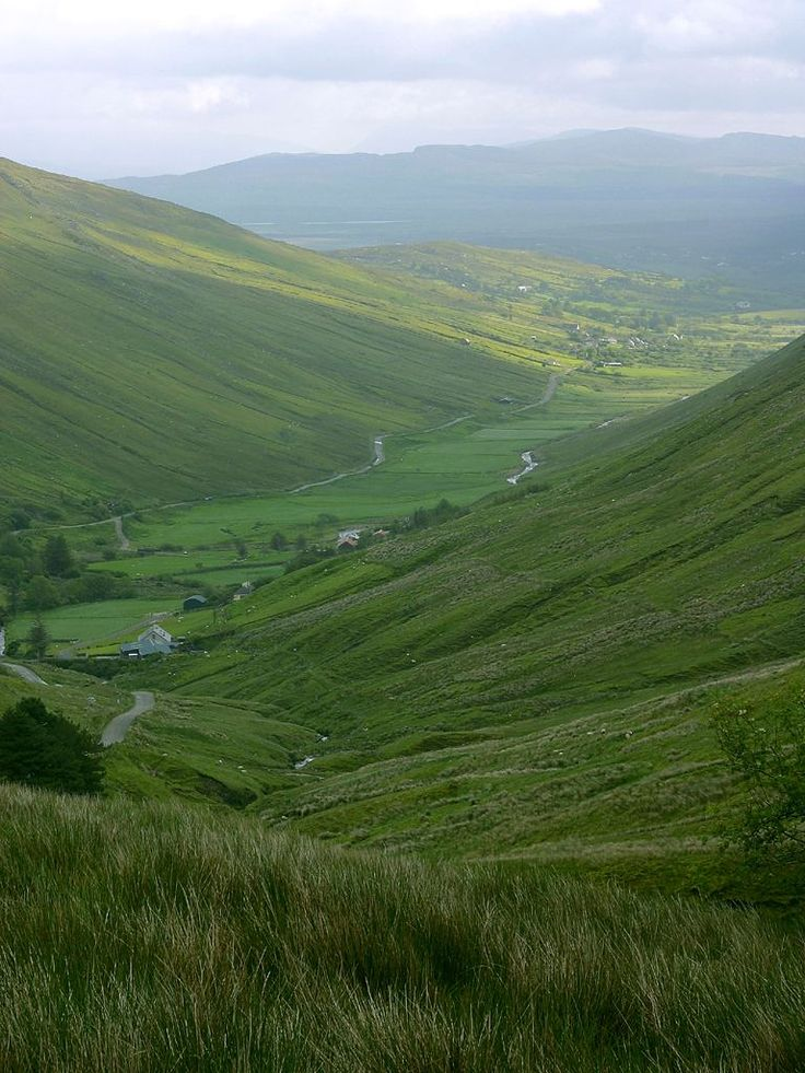 Ireland<3 my future home. Glengesh Pass, Buckets Lists, Dreams Vacations Spots, Beautiful Places, Donegal Ireland, Things Irish, National Parks, Emeralds Isle, Ireland Vacations