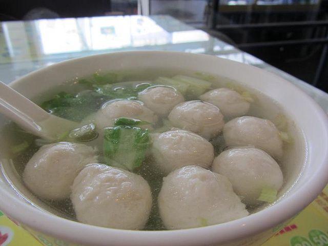 How to make Fish Ball Soup ~ Singapore Food | Recipes