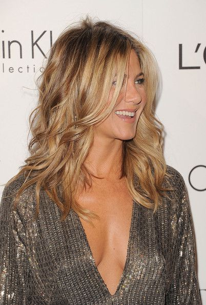 Jennifer Aniston - ELLE's 18th Annual Women in Hollywood Tribute - Arrivals