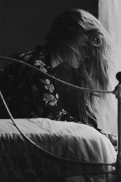 chica triste poemas para dedicar