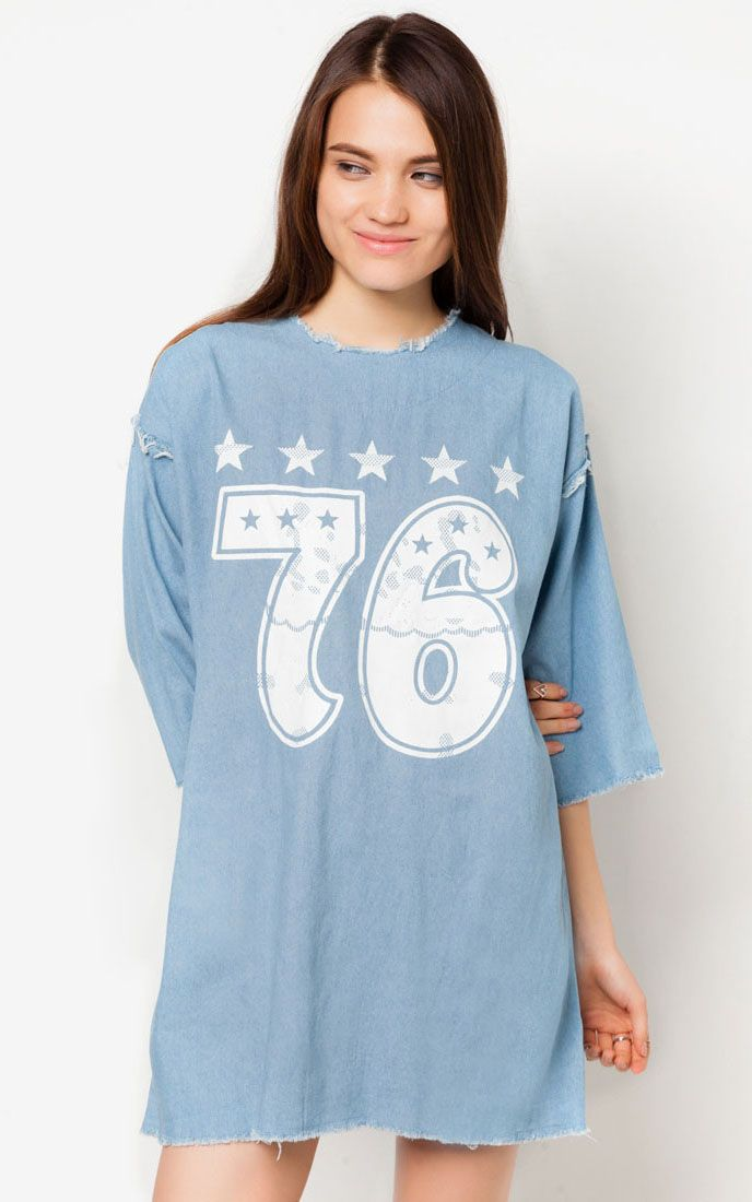 Denim always be a statement look. 76 denim dress by something borrowed, a mini dress with detail print in front, give a boyish look but still cute, made from cotton with blue color, round neck, this sporty mini dress will be your next favorite dress. http://zocko.it/LD4KO
