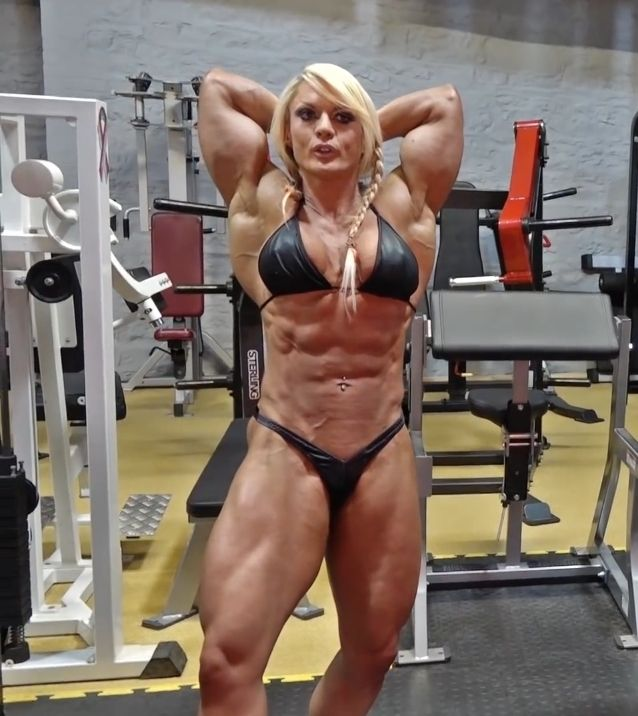 Eroticmusclevideos big clit and sexy female muscle posing 8