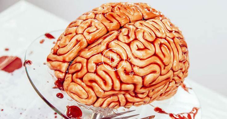 TUTO : Apprenez à réaliser un gâteau en forme de cerveau sanglant pour Halloween