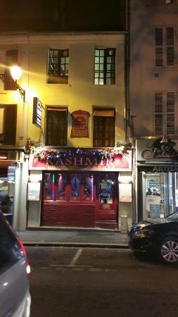 PONTOISE : Aux Delices du Kashmir (restaurant indien).  18, rue de Gisors, 95300 Pontoise, Cergy-Pontoise, France 0130750774 Dans le quartier historique de Pontoise, restaurant indien tres bien noté... VERIFIER L'OUVERTURE...
