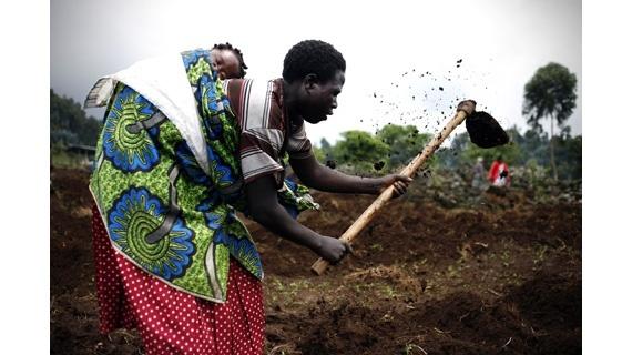 """Οι ηρωϊδες της Ρουάντα στο """"Seeds of Hope"""" του Γιώργου Γκιουλή και των εθελοντών μας Activista Greece. Φωτογραφία: Βάσω Μπάλου"""