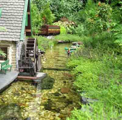 1000 images about garden railways on pinterest gardens for Garden railway designs
