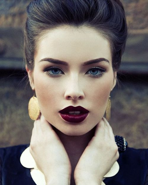 We love this sultry look for the Christmas party season!