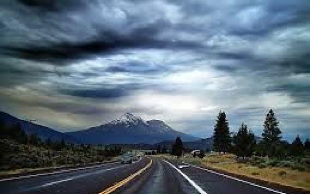 viaggi in auto milano-catania. che ricordi avete mai provato a viaggiare milano - catania in auto? che ricordi! mi ricordo di quando andavano in meridione con la mia famiglia ne passavano di tutti i colori. si potevano osservare paesaggi bell #auto #milano #catania