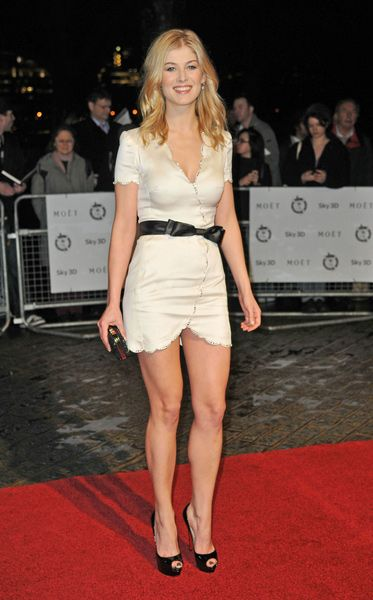 Rosamund Pike Height - How tall | Ladies | Pinterest ...