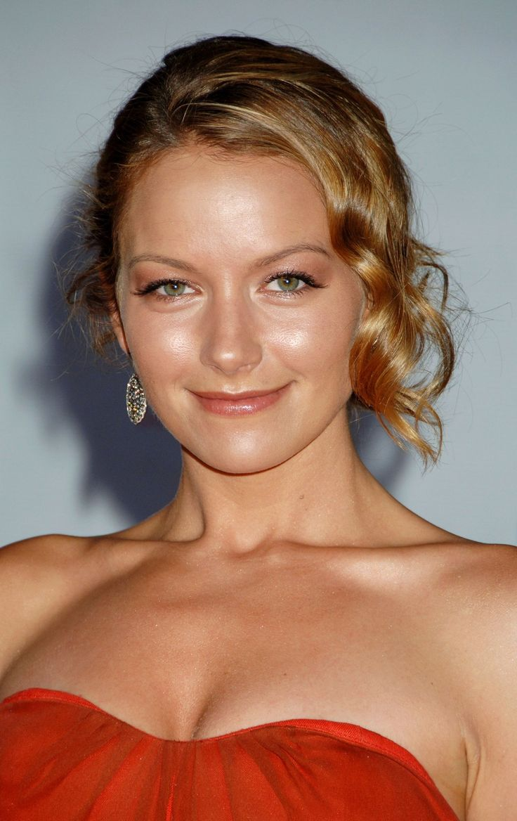 Becki Newton Nude Photos 20