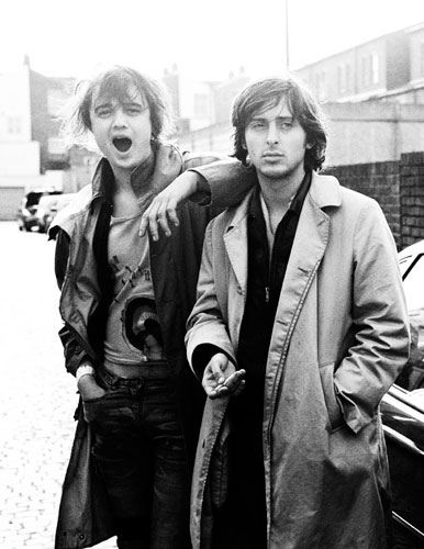 Peter Doherty and Carl Barât