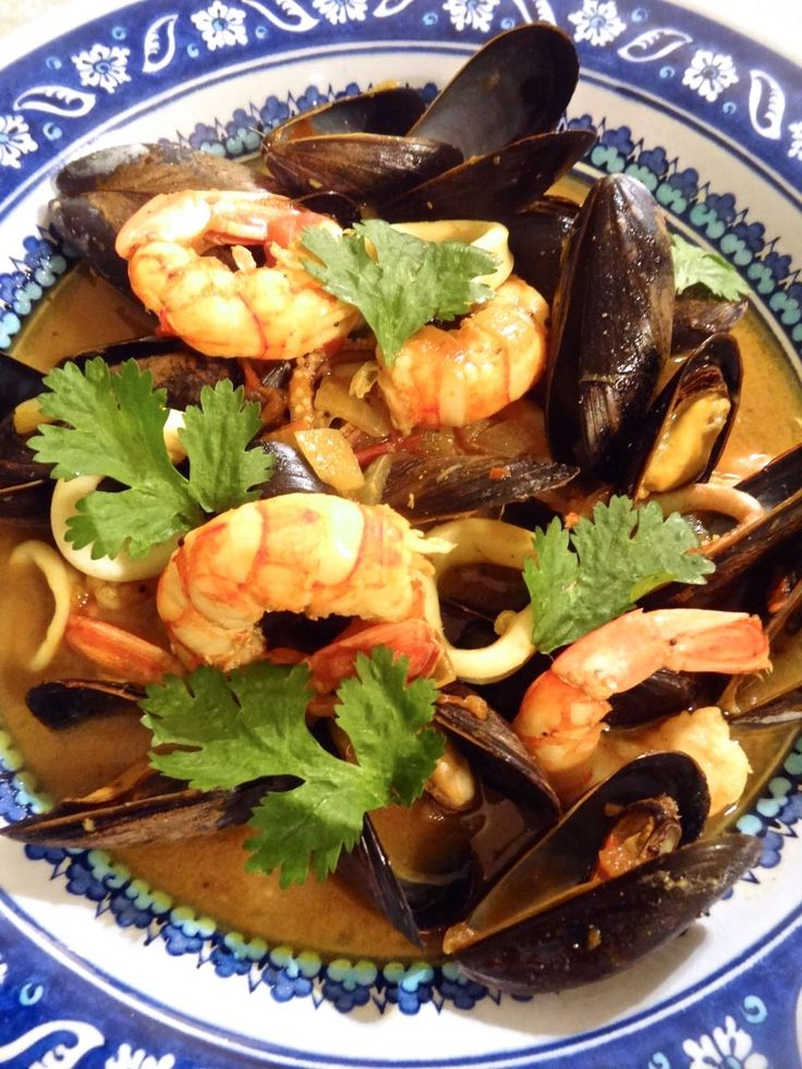 Scrumpdillyicious: Malabar Seafood Curry with Prawns, Mussels & Squid