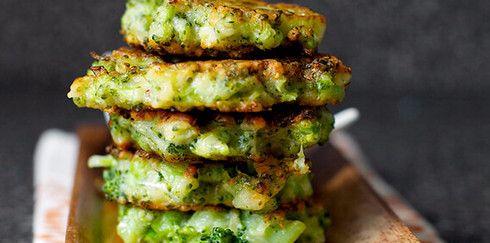 Восхитительные оладьи из брокколи с пармезаном