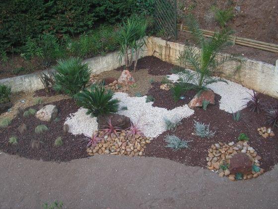 85 best parterre avec cailloux images on Pinterest | Gardening ...