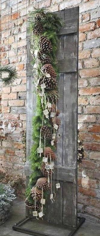 Heel veel denneappels - prachtig! Winter bruiloft inspiratie #TrouwPartners