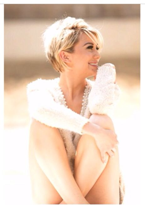 Chelsea Kane hair style. Getting my hat like this tommorow