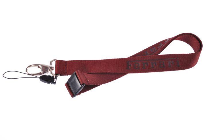 KUSHA - SMYCZE z tłoczonym logo Ferrari