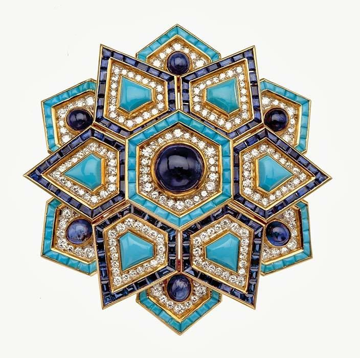 Brooch, 1969. Gold and platinum with turquoise, sapphires, and diamonds. Bulgari Heritage Collection © Antonio Barrella Studio Orizzonte Roma
