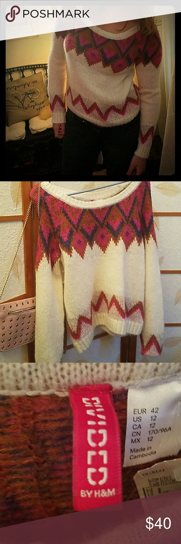 H&M TRIBAL SWEATER MUST HAVE From the divides line in H&M H&M Sweaters Crew & Scoop Necks