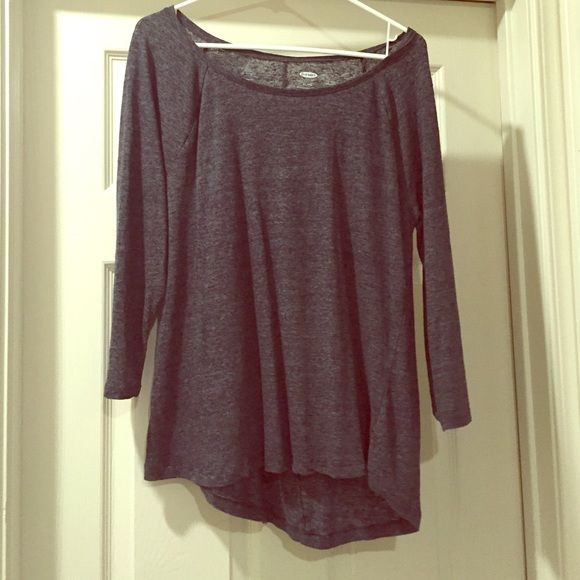 Old navy slouchy top 3/4 length sleeves. Will wash before shipped. Old Navy Tops Tees - Long Sleeve