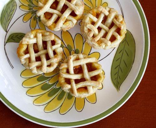 Mini Peach Pies!  http://www.bloglovin.com/m/4526/191369041/o/0/aHR0cCUzQSUyRiUyRmFiZWF1dGlmdWxtZXNzLnR5cGVwYWQuY29tJTJGbXlfd2VibG9nJTJGMjAxMSUyRjAzJTJGbG9vay13aGF0LXdlLW1hZGUtbWluaS1wZWFjaC1waWVzLS5odG1s