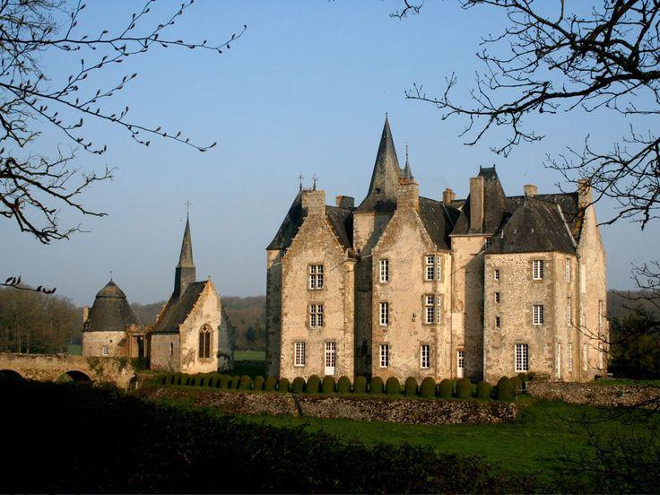 Castles of France - Château de Montourtier