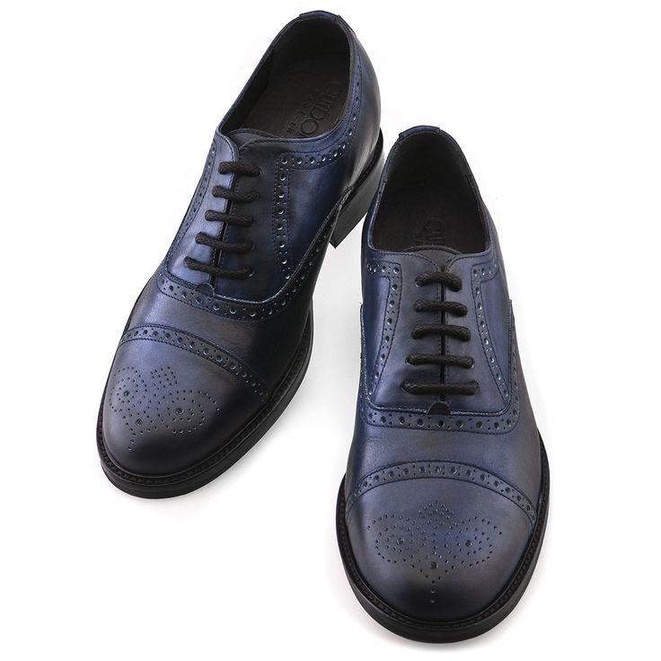 """Les chaussures réhaussantes GuidoMaggi """"Catania"""", pour ajouter 6, 7 ou 8 centimètres à votre taille. http://www.chaussuresrehaussantes.fr/collection-de-luxe/chaussures-habillees/catania-detail"""