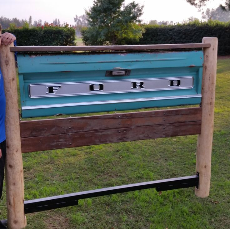 Tailgate headboard project from reclaimed wood. This was a weekend project with my mom and it turned out pretty good considering we had no plans to work off.