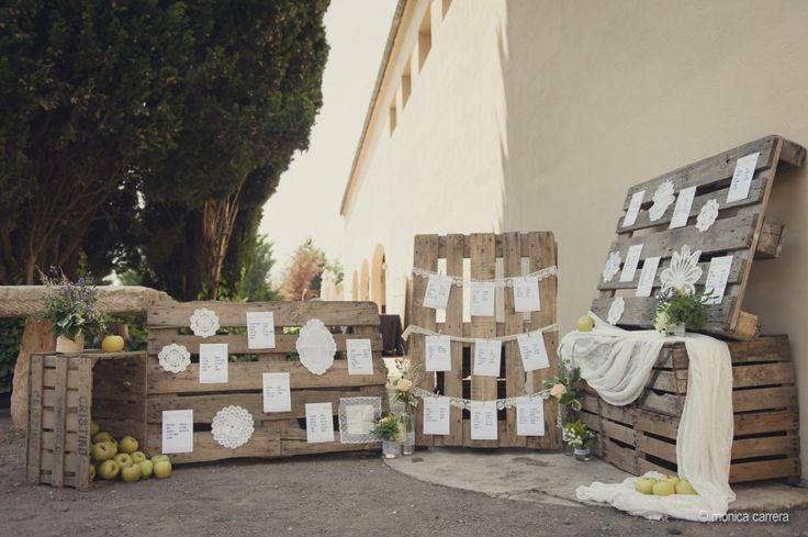 Mònica Carrera - Fotografía de boda ,seating,bodas de cuento,boda rustica,decoración palets,fotografo de boda