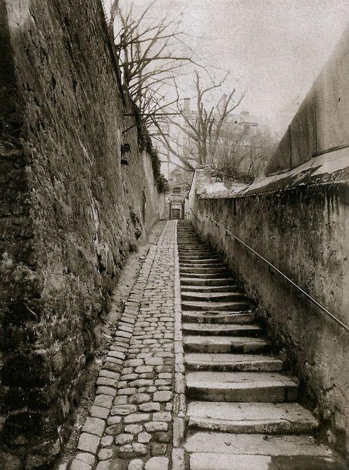 Eugène Atget -Passage des Eaux, 9 rue Raynouard à Passy, Paris, 1901