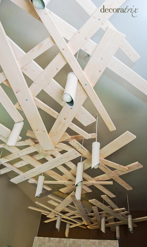 Decorar techo con tablones de madera