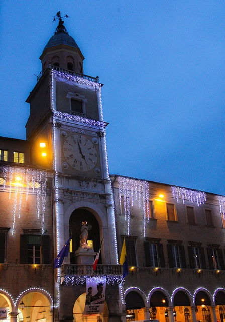 Piazza Grande by Città di Modena, #casa #house #arredamento #interni #interior #mobili #design #furniture #decor #artistictamassia #modena #like Sito: www.arredamentiartistictamassia.com