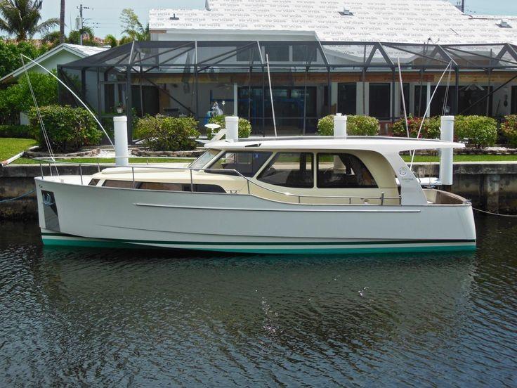 2011 Greenline Hybrid 33 Power Boat For Sale - www.yachtworld.com