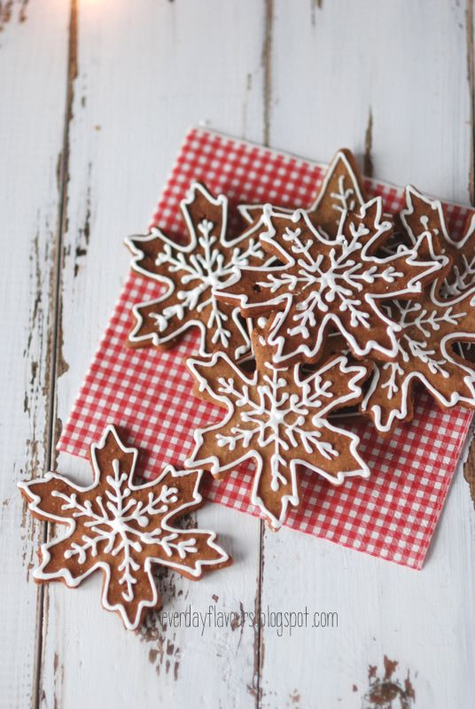 snowflake (pepparkakor) swedish gingerbread i want to make these to hang in the reception would even be cute for the guests to take home!!
