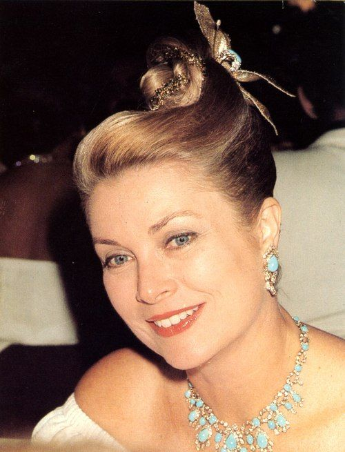 graceandfamily:  Princess Grace at the Red Cross Gala 1977