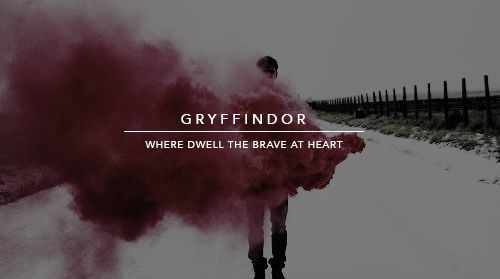 INMARCESIBLE  : atwells:   hogwarts houses + smoke bomb...