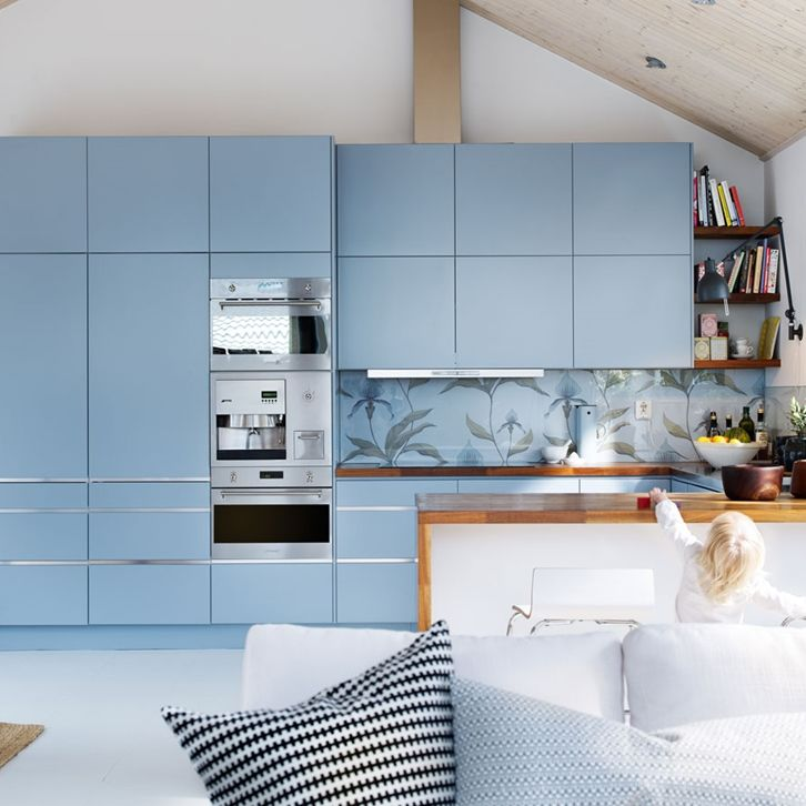 20 best blauwe keukens images on pinterest curve dresses light blue kitchens and kitchens. Black Bedroom Furniture Sets. Home Design Ideas