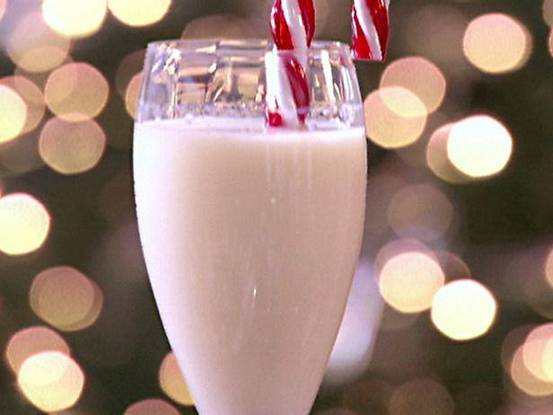 "Its actually called ""Candy Cane""   Yum: Food, Christmas, Candy Canes, Peppermint Schnapps, Holiday Drink, Drinks, Cocktails"