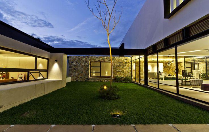 Yucatan cantilevered house interior garden